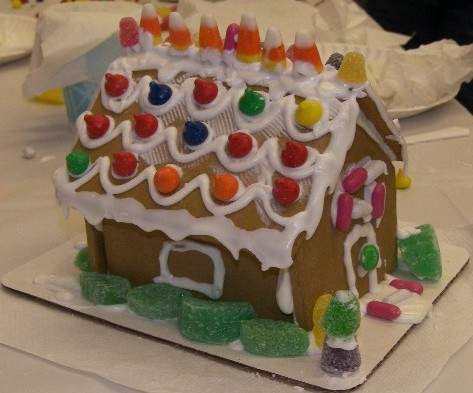 4th Annual Gingerbread House Decorating Party Vromans Bookstore